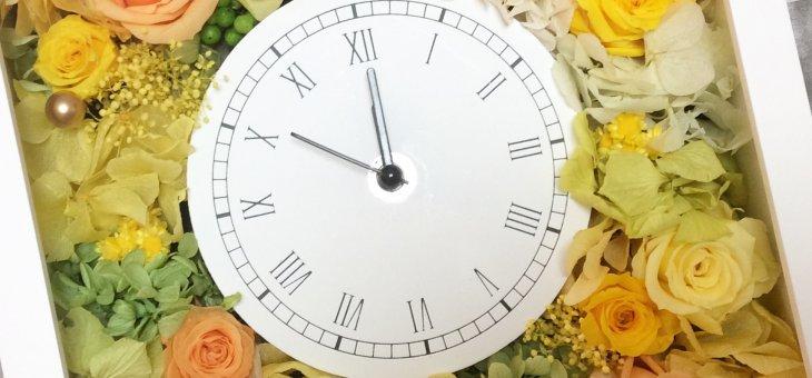 モダンで人気!結婚式のご両親へのプレゼントに四角の時計 生徒さんの作品をご紹介!