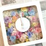 おしゃれな結婚祝い!手作りのプレゼントにプリザーブドフラワーの花時計