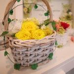なんとも言えず可愛いフラワーバスケット プリザーブドフラワーのレッスンで作れる花かごを紹介