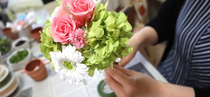 プリザーブドフラワー ミニブーケ(花束) – 生花のように作られた生徒さんの可愛い作品をご紹介