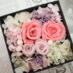 体験レッスンに可愛いピンクのフラワーボックス を作られました!