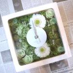グリーンが綺麗!結婚式の新婦様へのサプライズと誕生日プレゼントに時計を作られました!