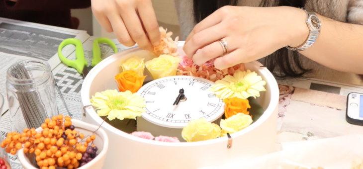 雅叙園の結婚式で!ご両親へのプレゼントに花時計を素敵に作られた生徒さんの作品をご紹介!